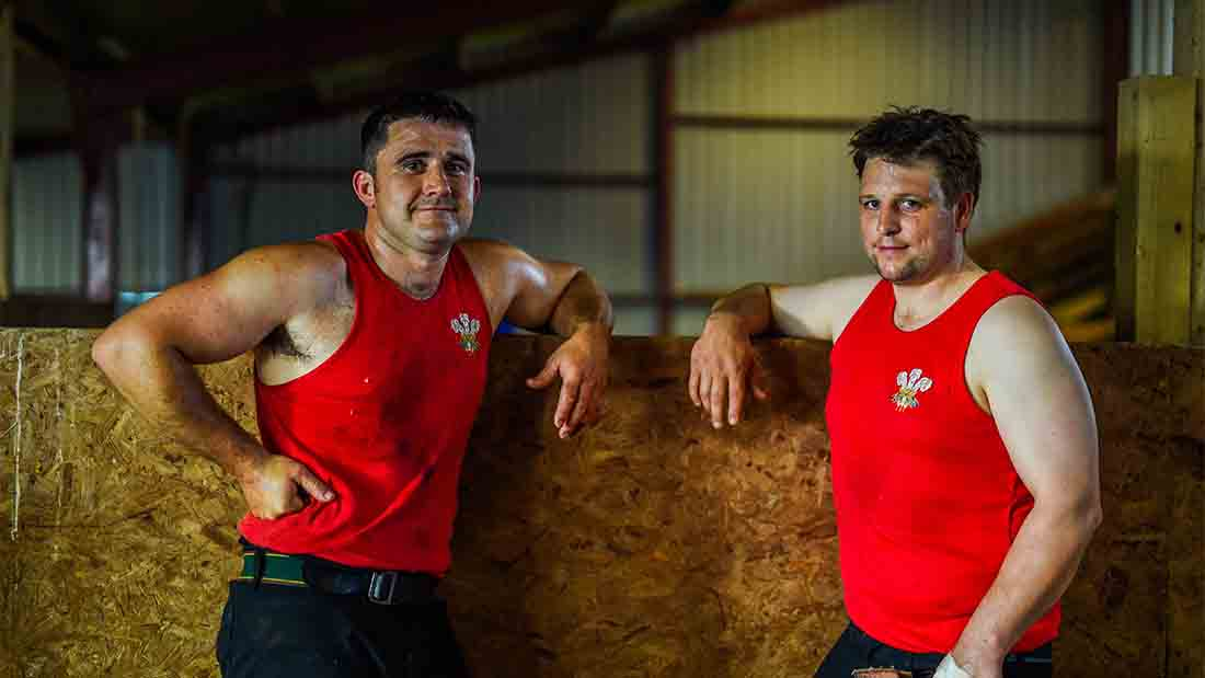 Gareth Daniel (left) and Ian Jones are ready for the record shearing attempt