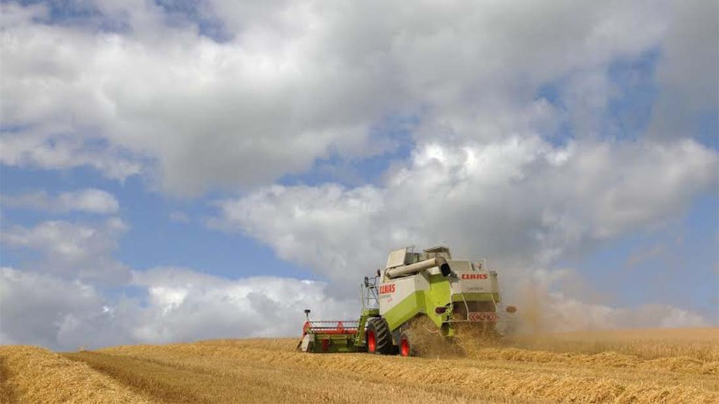 Clouds loom over barley harvest - Mick Vardy