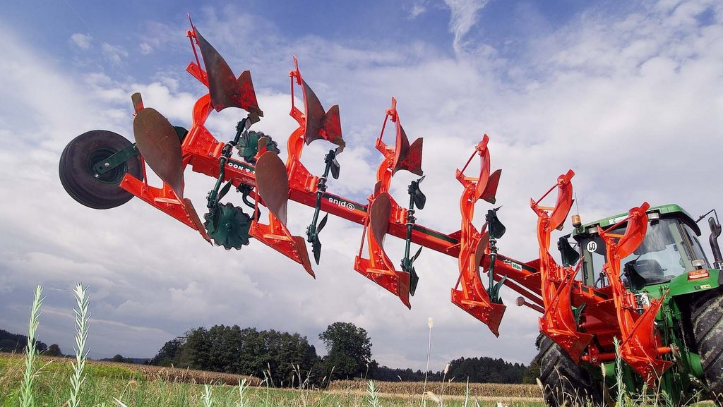 Amazone purchase Vogel and Noot plough production
