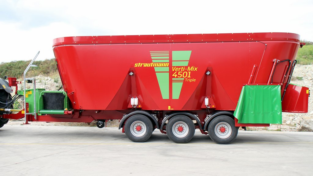 Strautmann launches high capacity triple-auger mixers