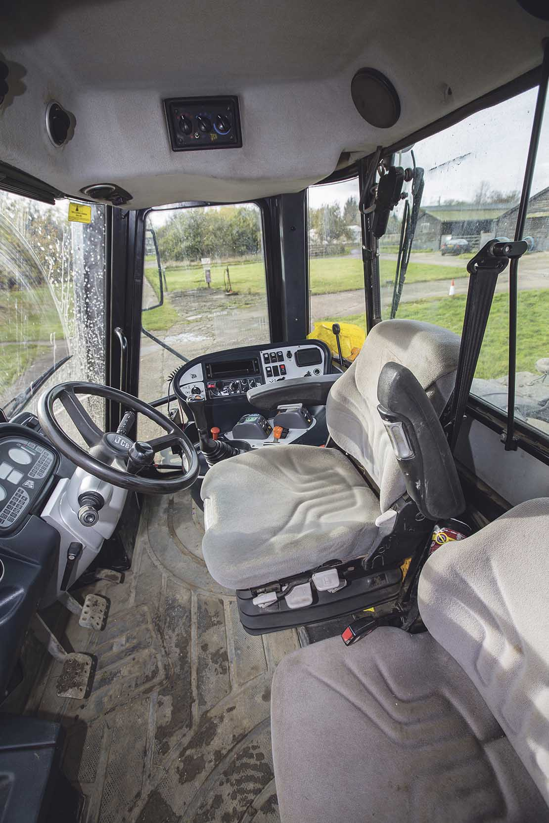 Buyer's guide: JCB Fastrac 3000 Series - INSIGHTS - Farmers ... on