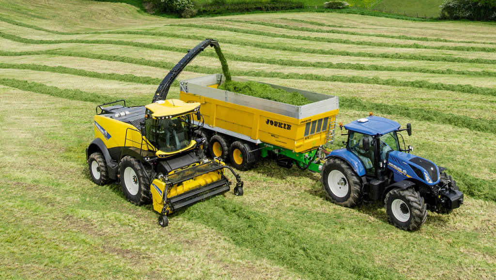 New Holland offers real time forage analysis on latest FR foragers