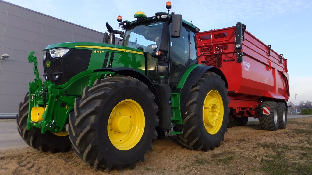 Mannheim monsters: John Deere launches new 6230R and 6250R tractor models