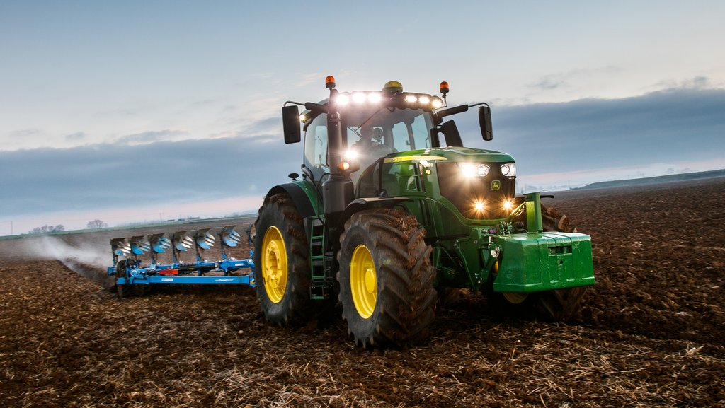 mannheim monsters john deere launches new 6230r and 6250r tractor