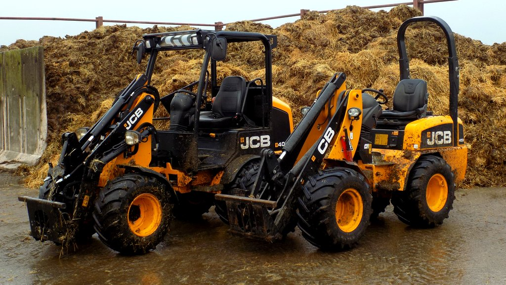 On-test: JCB 403: old vs new