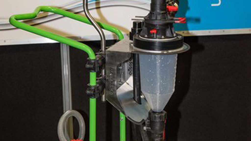 Closed transfer system to enhance sprayer operator safety