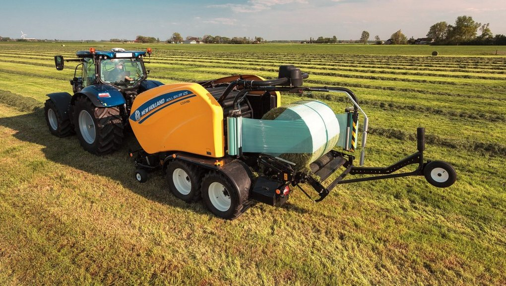 New Holland Roll Baler 125 updates