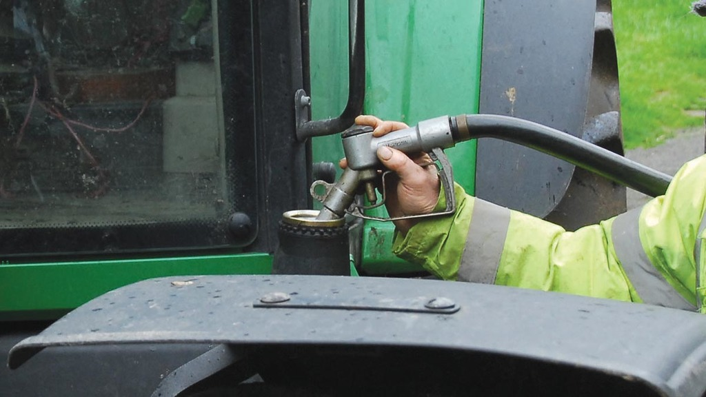 Petroineos announces it will reduce volume of biodiesel in its agricultural fuel
