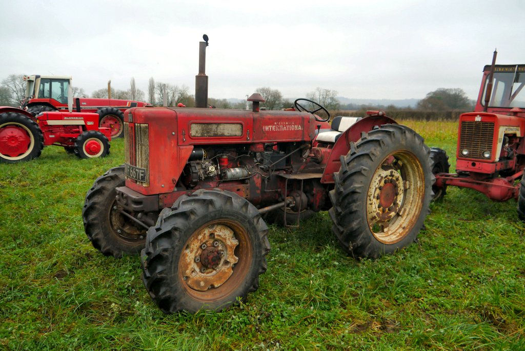 International 614 with Roadless front axle