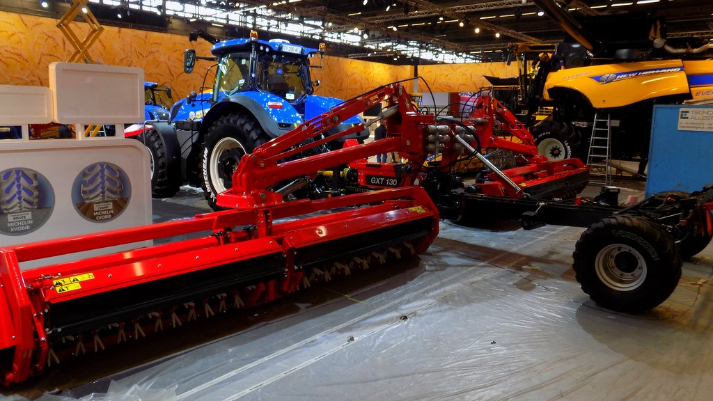 New Holland T7 and Kongskilde triple, trailed mower