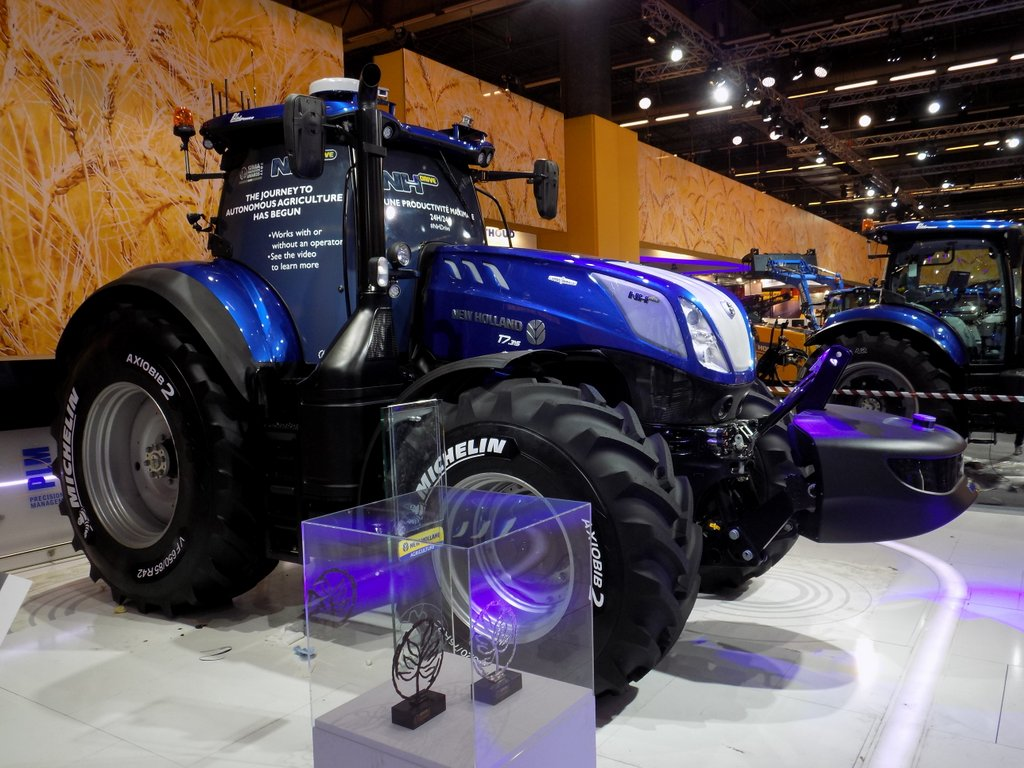 New Holland T7 NHDrive