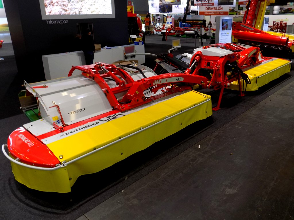 Pottinger A10 butterfly mowers