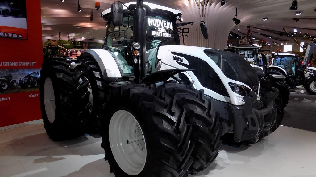 SIMA 2017: Tractor and loader launches