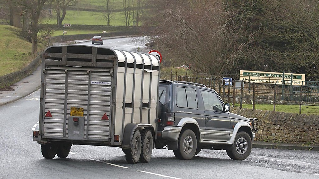 Know your limits: 4x4 trailer towing regulations