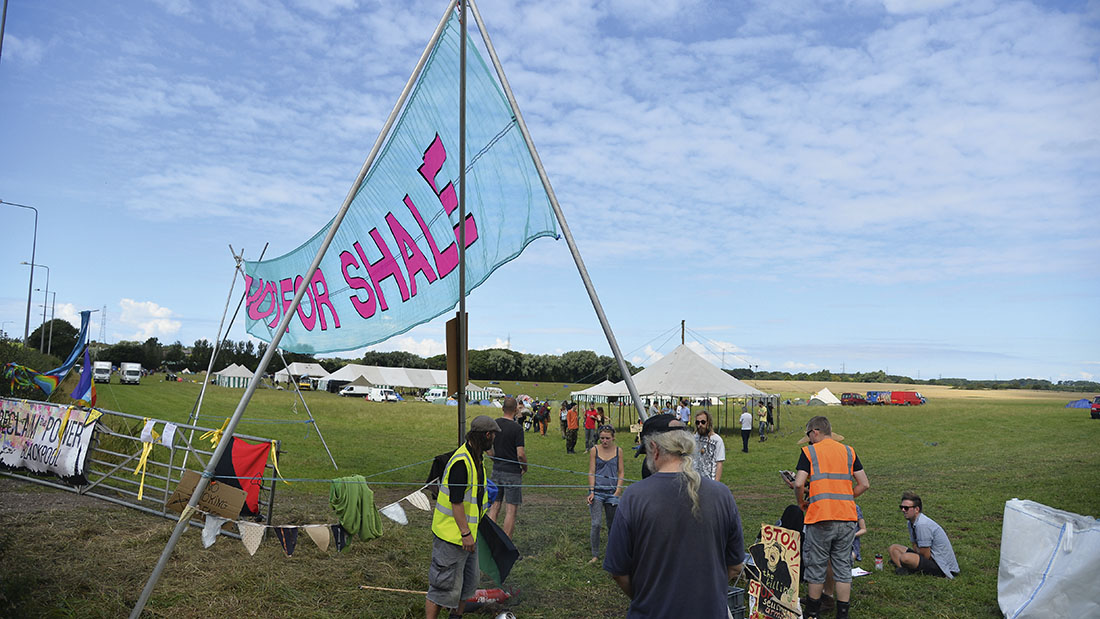 Despite growing opposition, farmers are being urged not to be put off fracking.