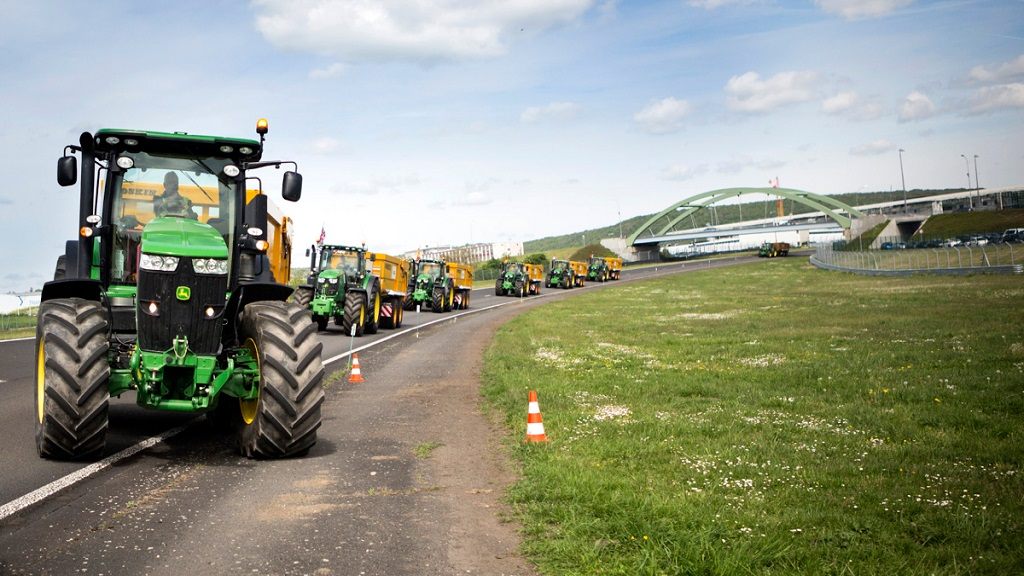 John Deere and Michelin searching for Europe's best tractor driver - and it could be you!