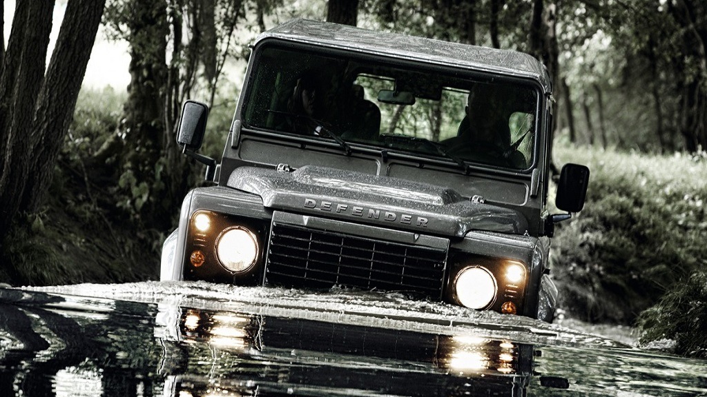 Land Rover Defender owners beware as thefts rocket - NEWS - Farmers