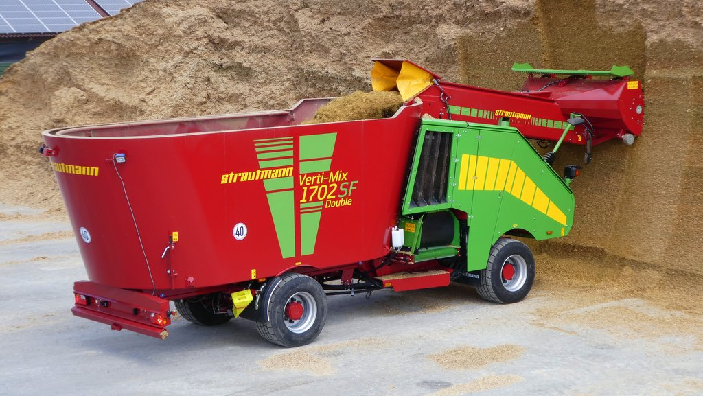First drive: Opico Strautmann self-propelled diet feeder