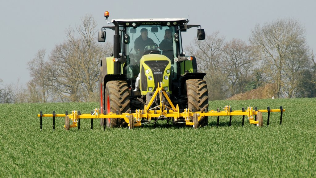 Claydon adds front-mounted hoe to range