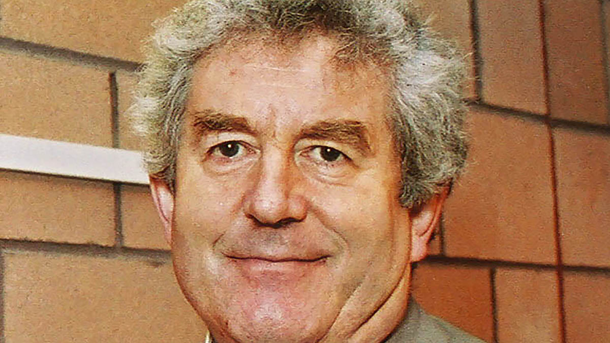 Tributes paid to former Welsh first minister and agricultural 'ambassador' Rhodri Morgan