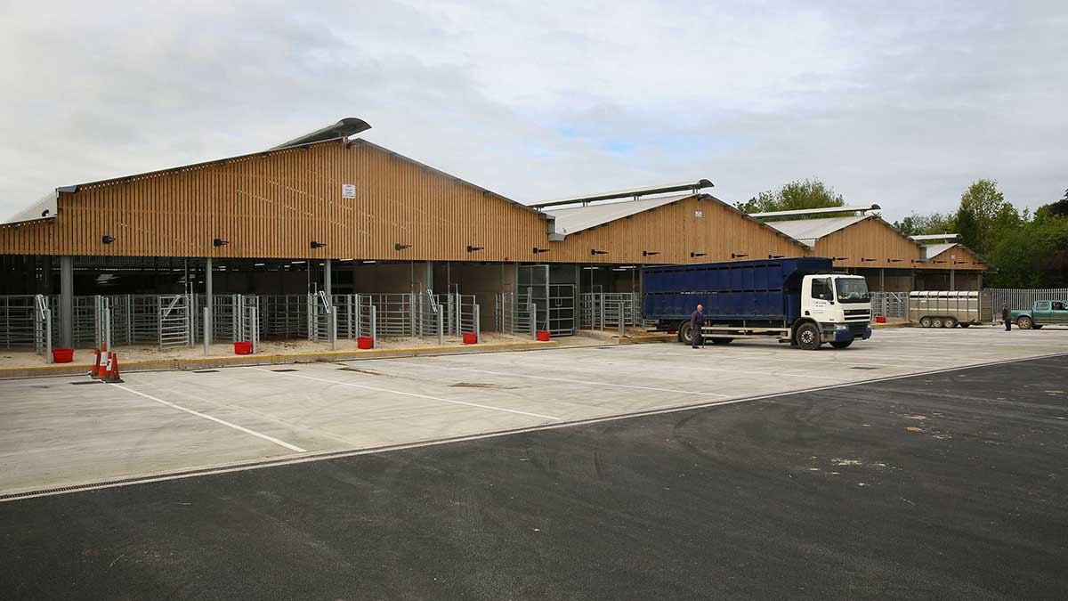 New cattle building opens its doors at Melton Mowbray