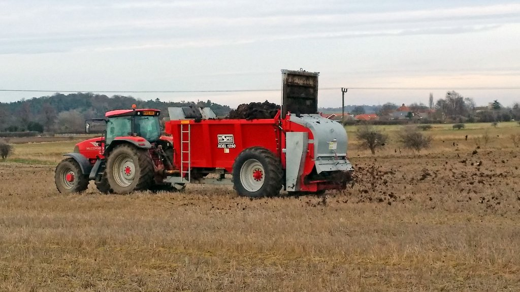 Hi-Spec adds weigh cell option to muck spreader