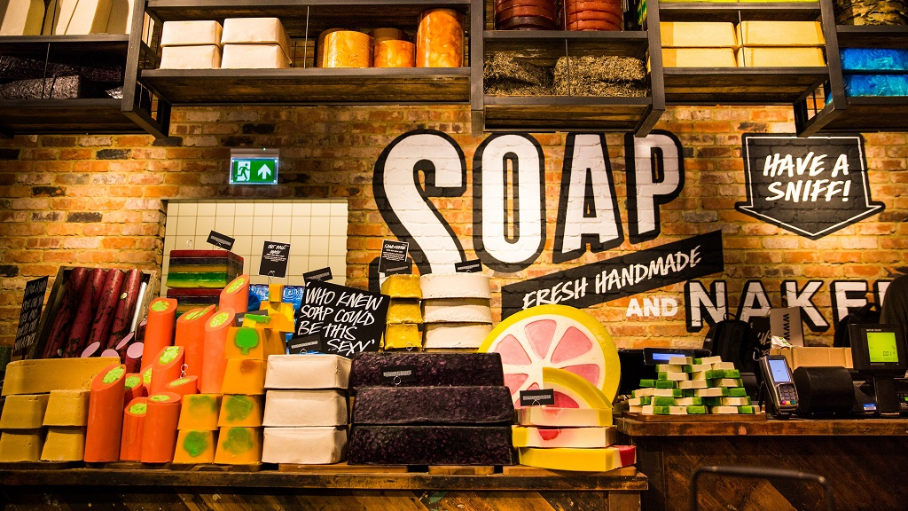 'Farmers are an integral part of our society' - LUSH apologises after young farmer kicked out of store