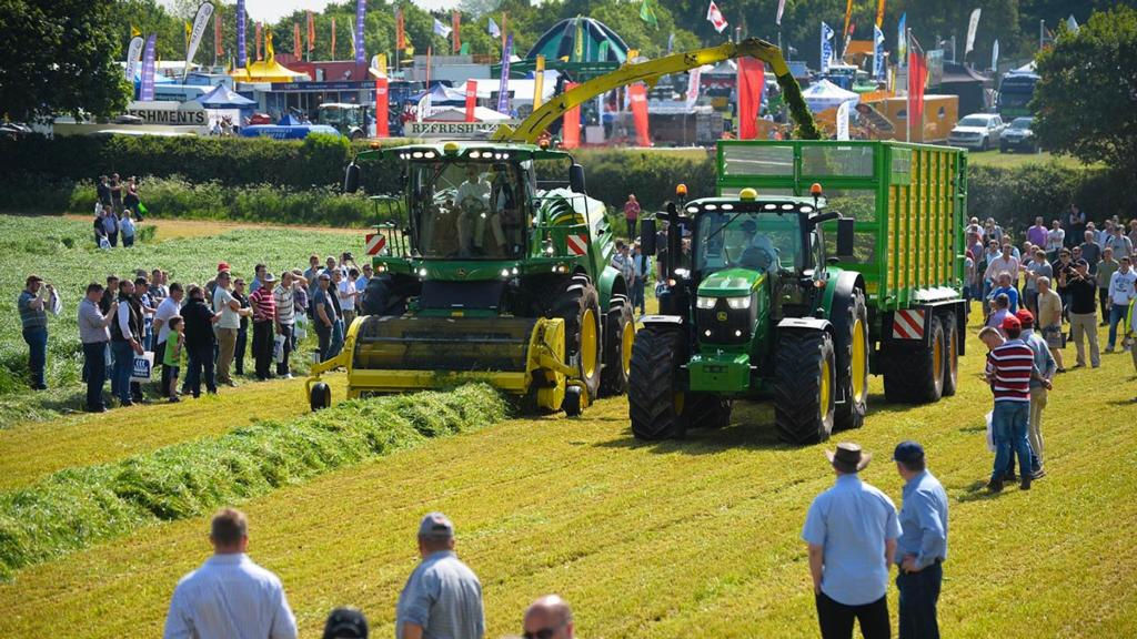 Grass and Muck 2017: Latest grassland equipment showcased