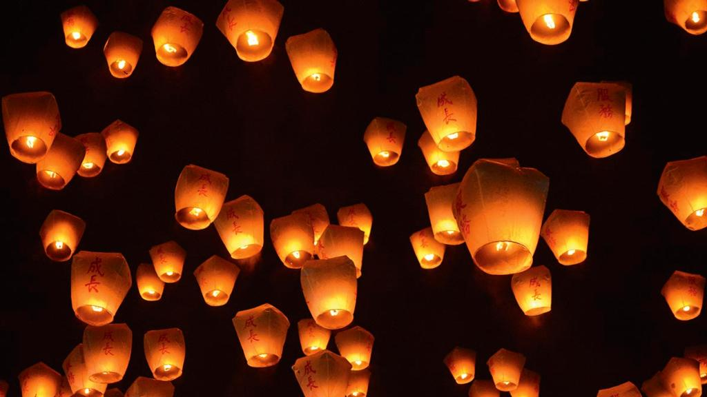 'They kill livestock' - girl, 10, sets up online petition to ban sky lanterns