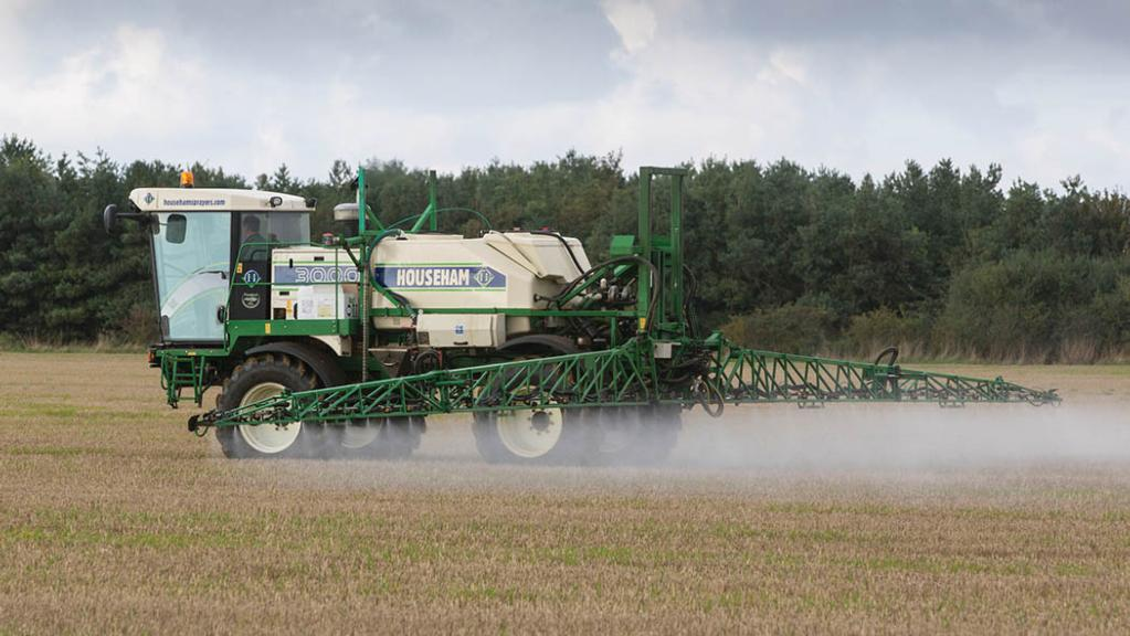 French farmers livid as France seeks to block glyphosate renewal