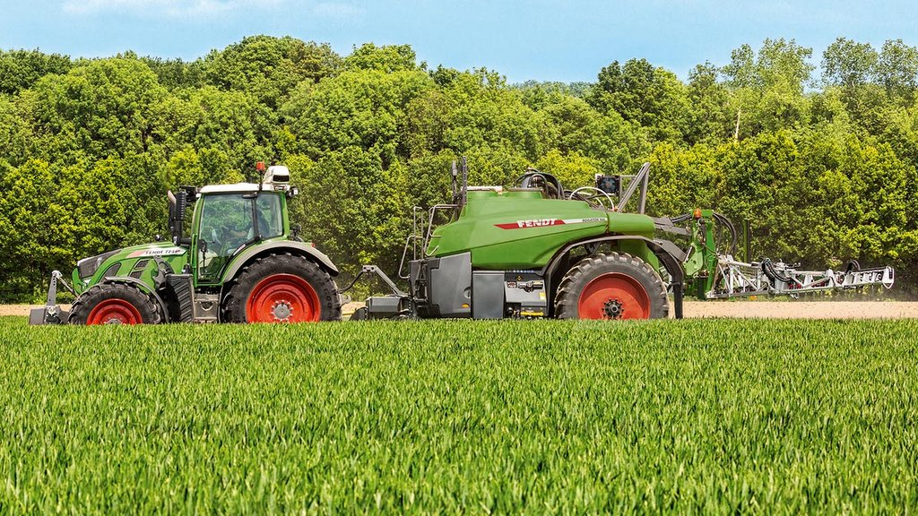 Fendt to sell Challenger crawlers and sprayers in Europe