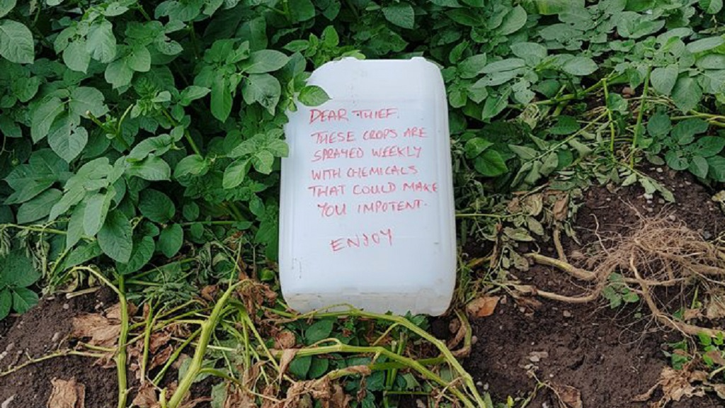 Farmer leaves cheeky message for potato thief