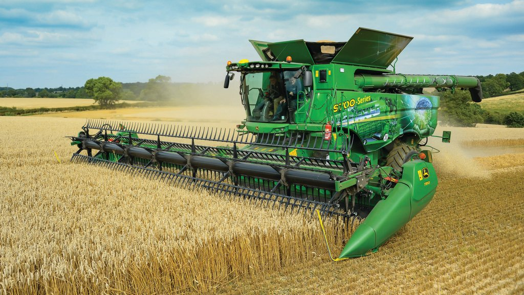 John Deere updates flagship S-Series combines for 2020 season
