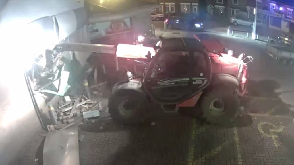 CCTV FOOTAGE: Stolen farm vehicle used to steal ATM from supermarket