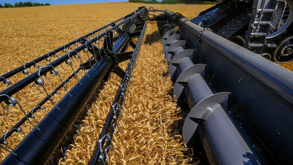 Agco aiming big with new Ideal combine - NEWS - Farmers Guardian
