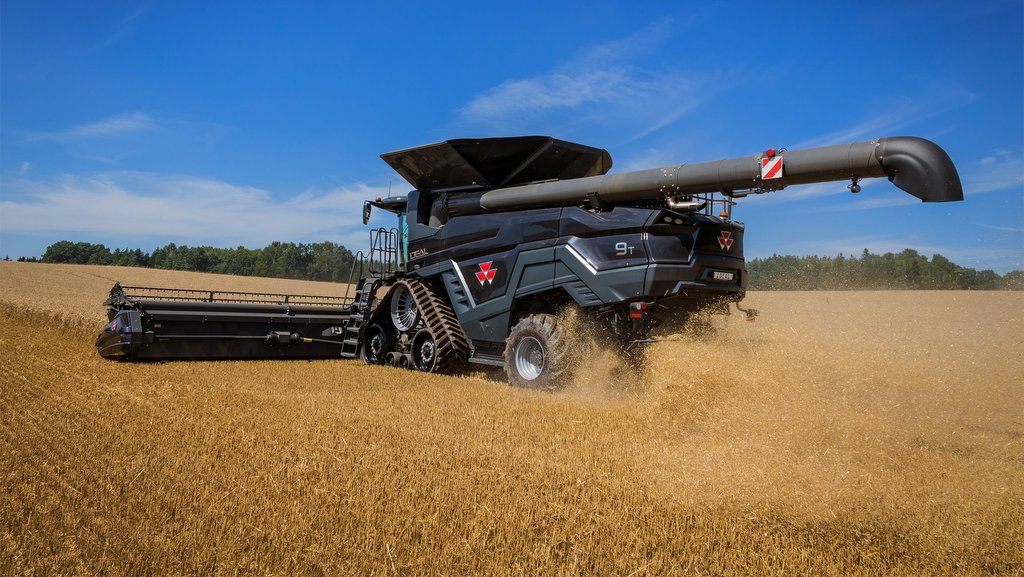 Along with future possibilities of 50ft headers, the Ideal can unload grain at rates of up 210l/min.