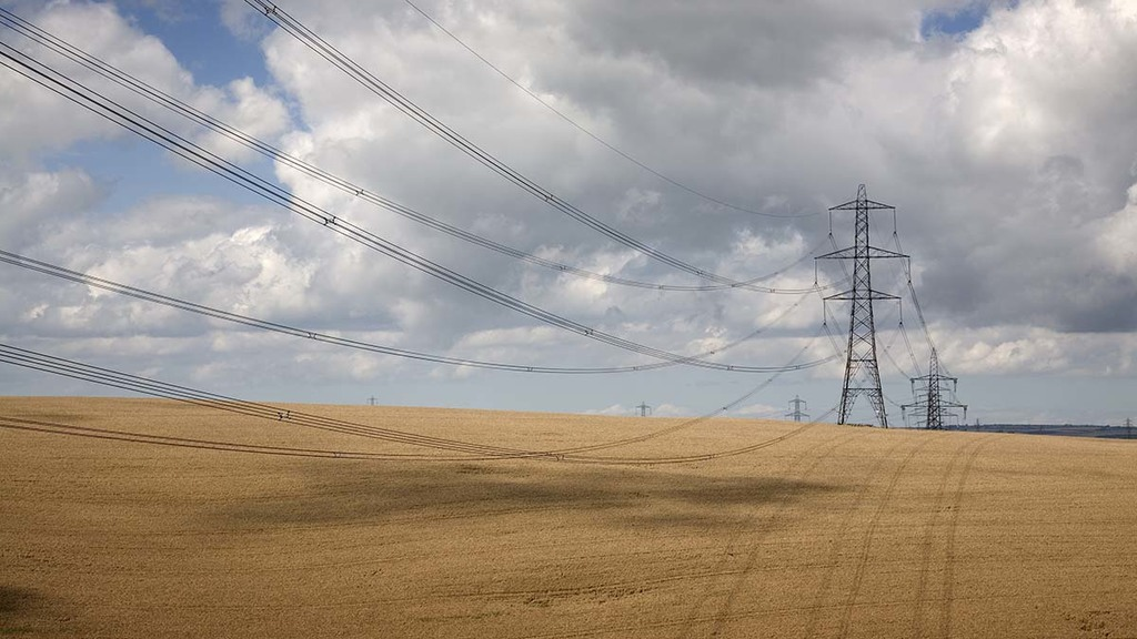 Farmers call on HSE to save lives by dealing with low-hanging power lines
