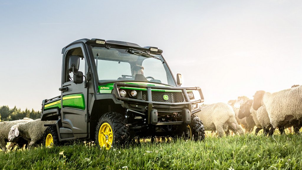 New 865M features a 23hp diesel engine and boasts a 907kg towing capacity.