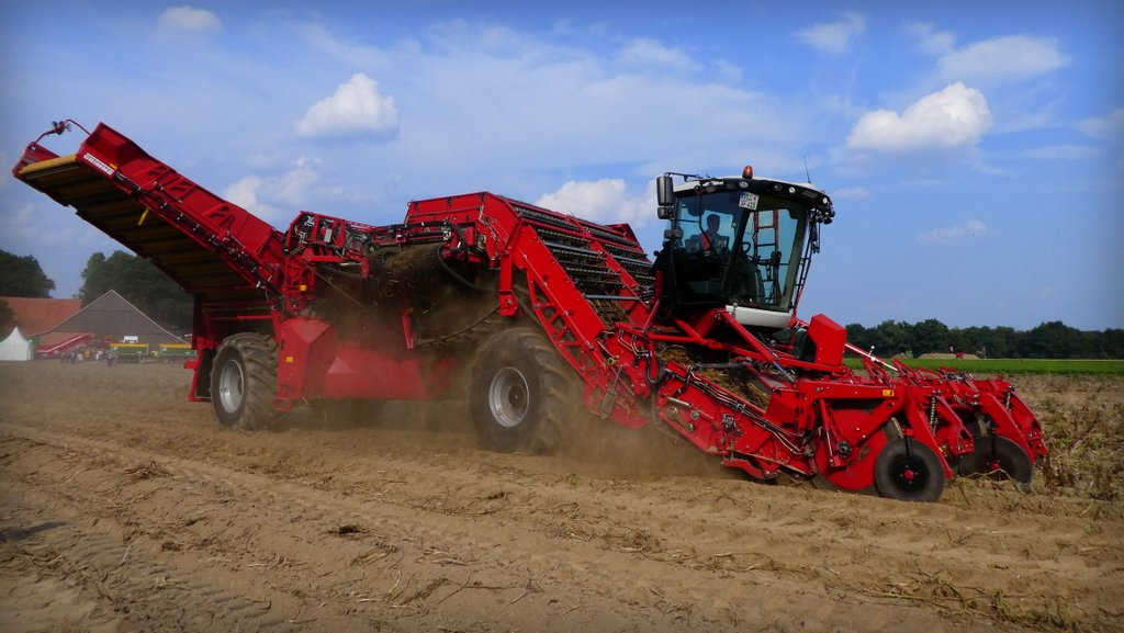 Grimme's Ventor would not look out of place on the set of the latest Transformers movie.