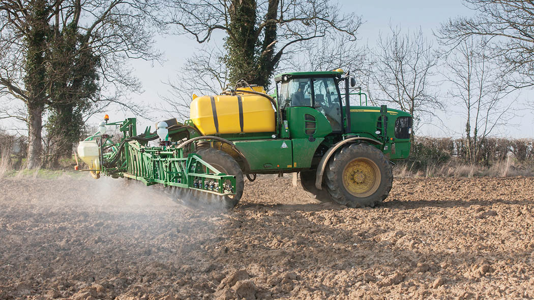 Long and tortuous road to reapproval of glyphosate: farmers react