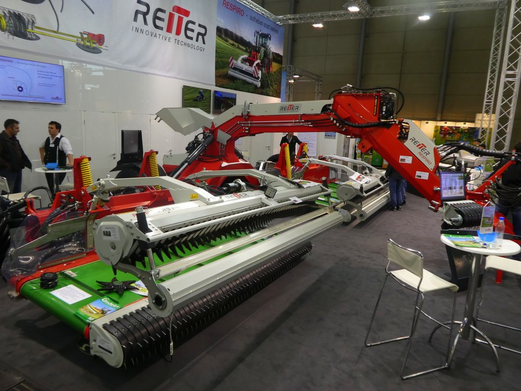 Reiter expands working width