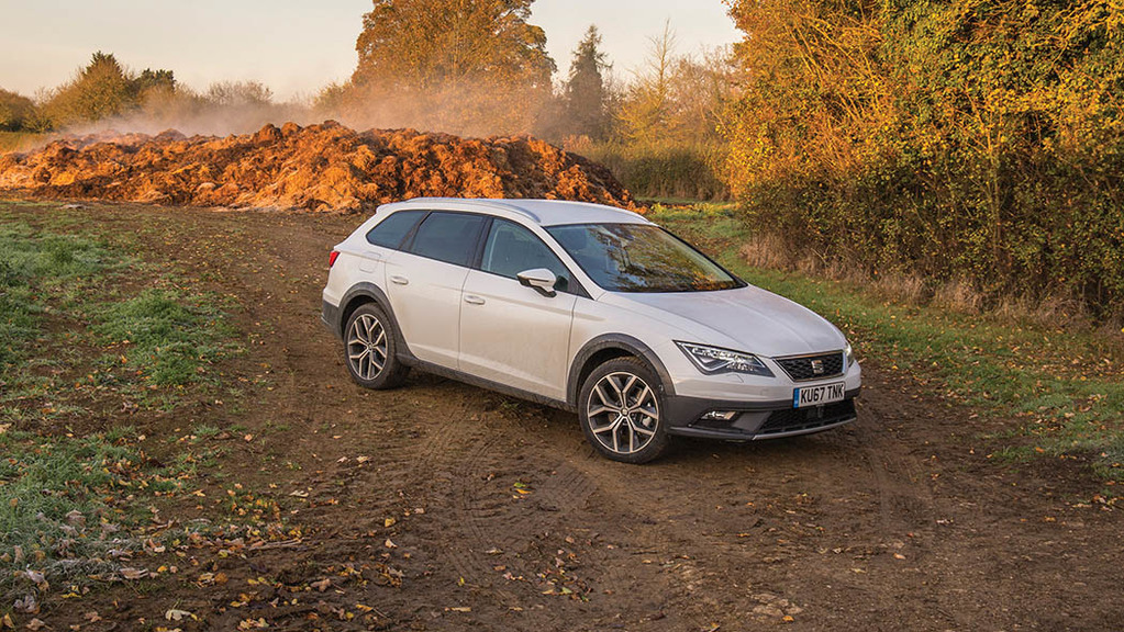 Leon X-Perience brings more ground clearance and mild off-road capability.