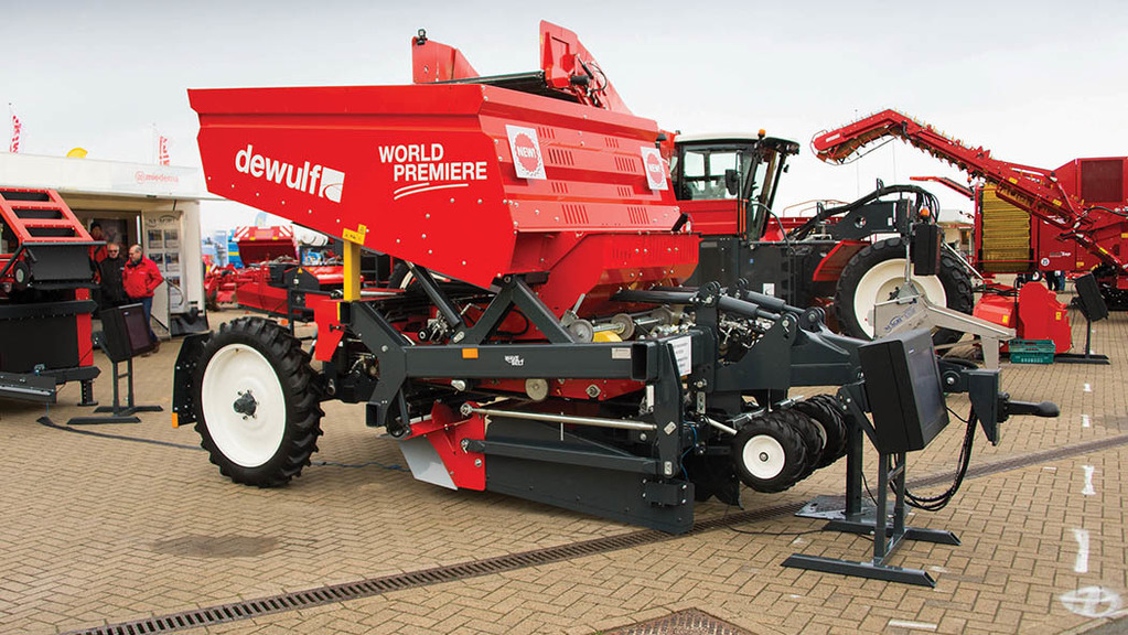 Dewulf three-row belt planter