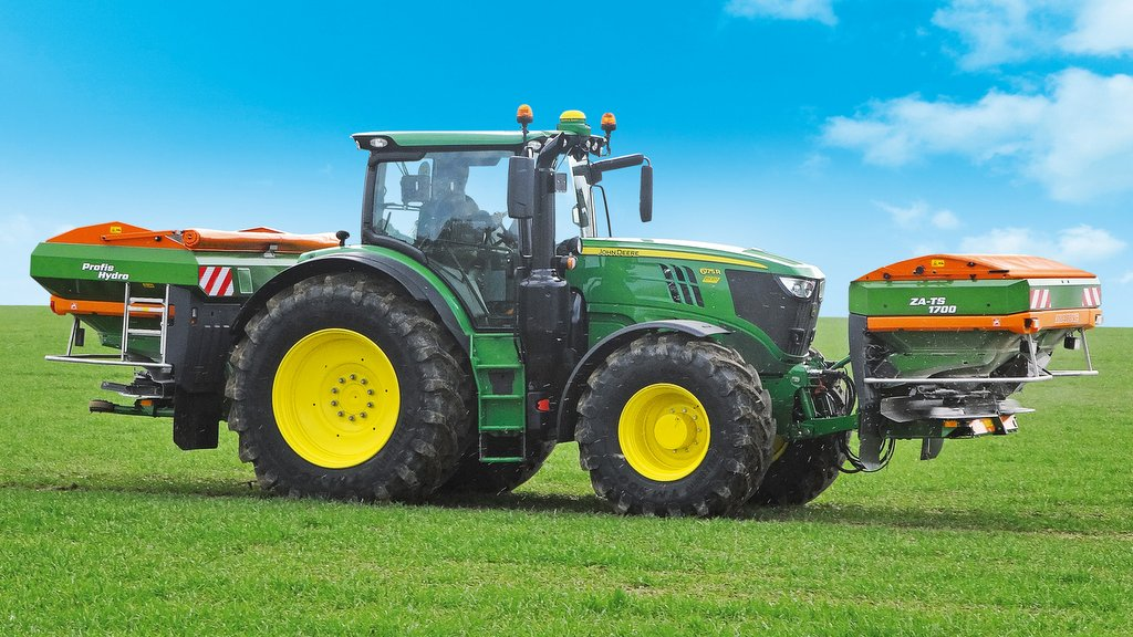 Amazone develops simpler front and rear spreader control