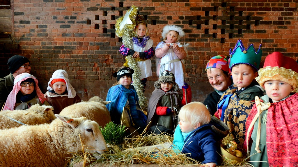 Farmer invites 300 children to farm to act in live action nativities