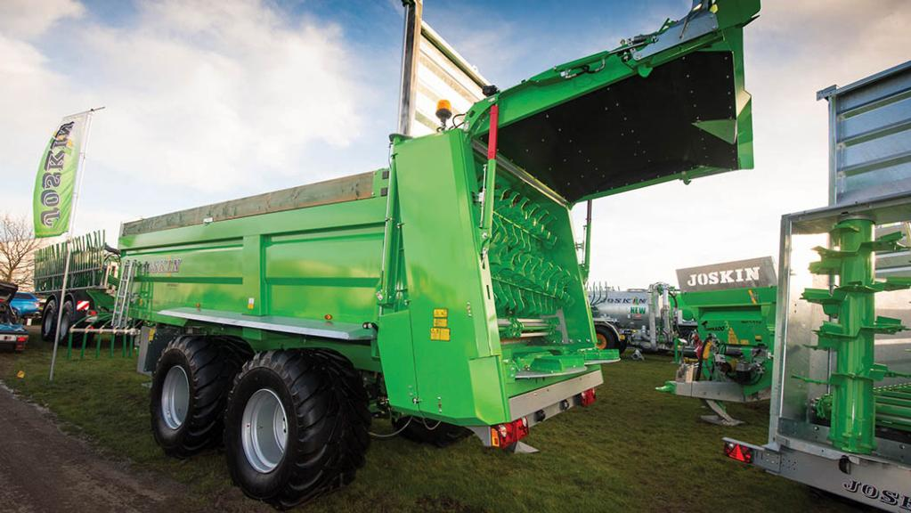Joskin Ferti-Space 2 muck spreader