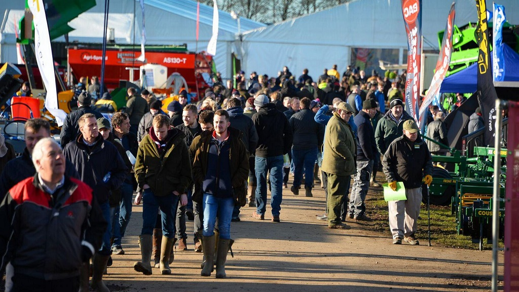 UPDATE: Lamma show cut short after successful first day