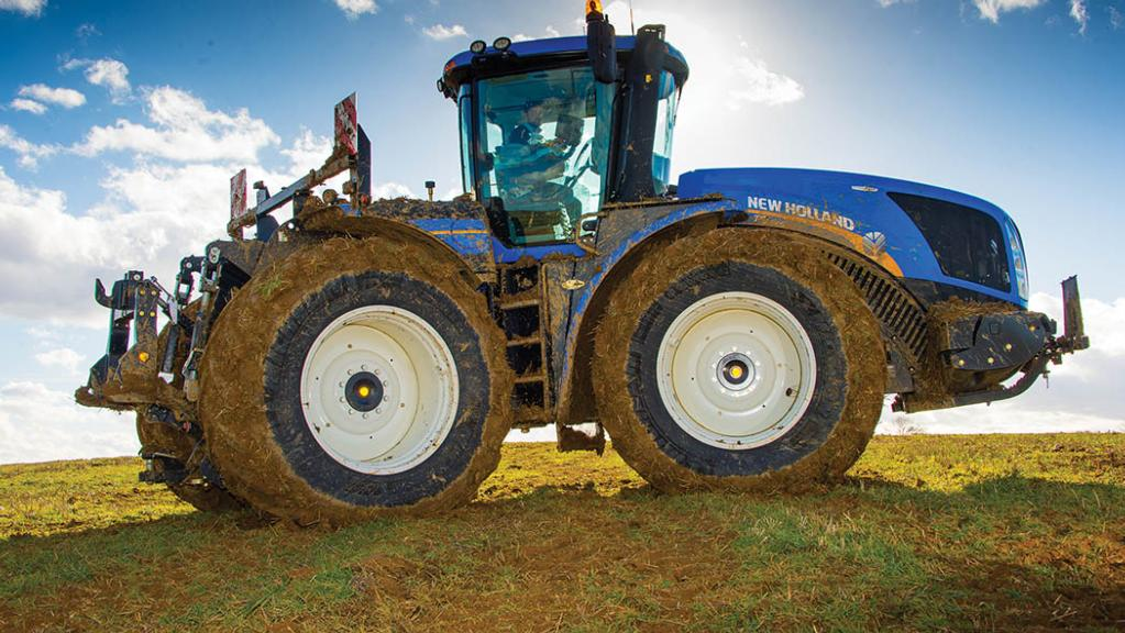 New Holland introduces CVT option to its flagship tractor series.