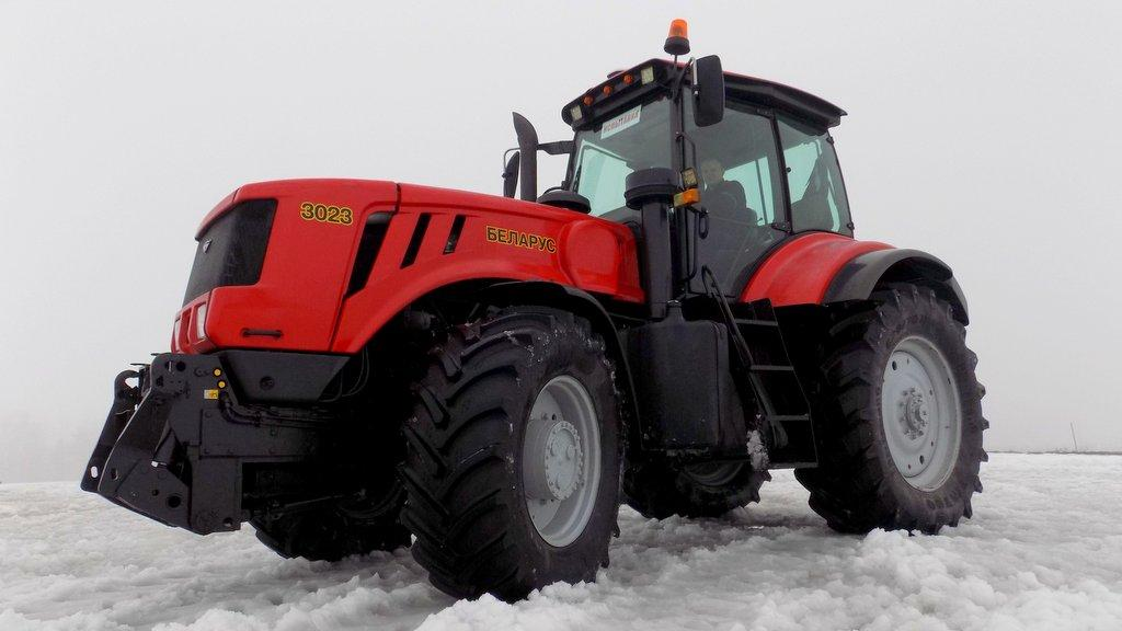 VIDEO: Belarus sparks huge interest with electric drive tractor