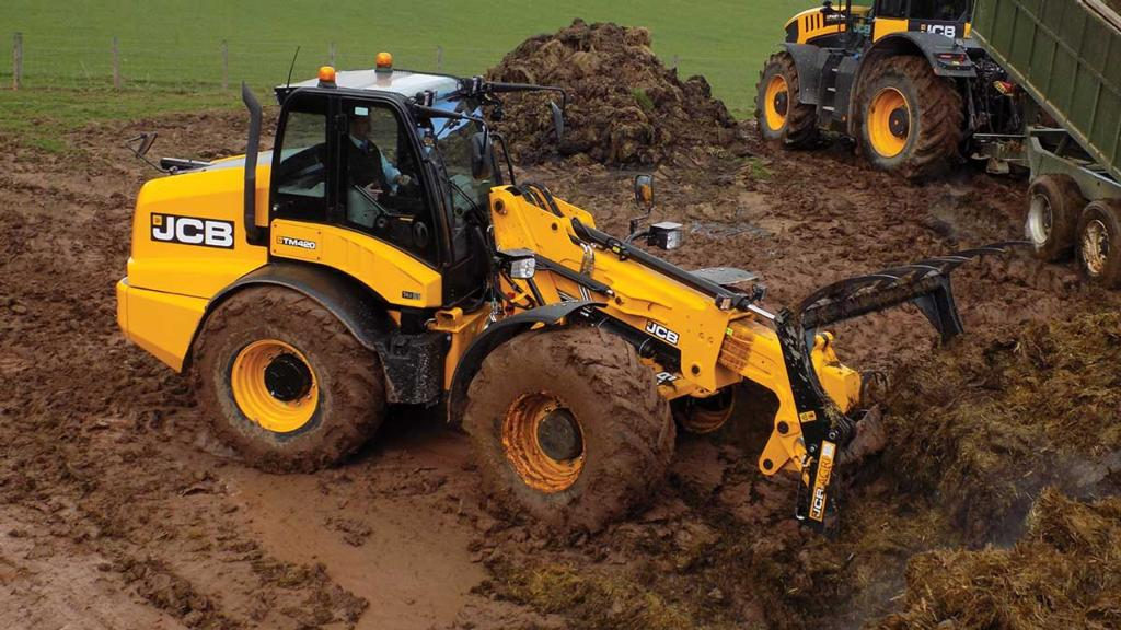 First drive: JCB launches new TM420 pivot steer telescopic handler